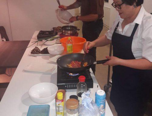 한국요리 불고기, 잡채, 미역국, 무우체 무침